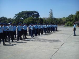 Komandan Sathar 042 menyambut kedatangan siswa prakerin