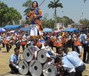 Aksi Drumben SMK Penerbangan Angkasa di HUT Kab. Magetan